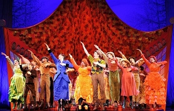 Mary Poppins © SUPERCALIFRAGILISTICEXPIALIDOCIOUS Photo of US Touring Company by Deen van Meer ©DisneyCML