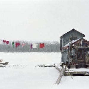 Alec Soth, Peter's houseboat © Alec Soth, Magnum Photos